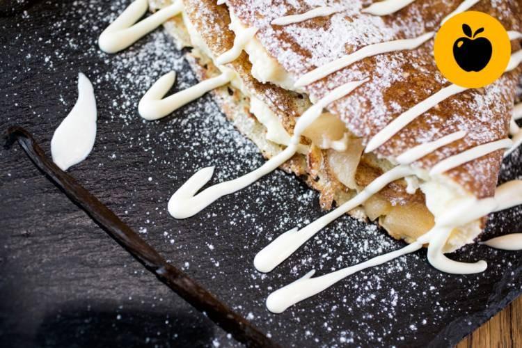 Clătită cu măr, scorțișoară și cremă de vanilie